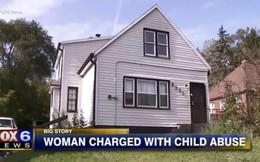 Bà mẹ nát rượu bỏ mặc 6 đứa con thơ trong căn nhà hôi thối, không có thức ăn và nước