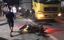2 chú cháu ruột tử vong sau tai nạn xe máy đâm thẳng vào xe tải dừng bên đường