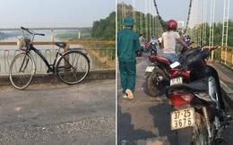Thiếu nữ bỏ lại xe đạp trên cầu, nhắn tin về cho gia đình rồi nhảy xuống sông tự tử