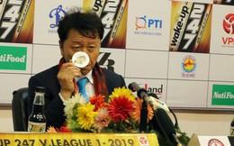 HLV Chung Hae-seong ký hợp đồng 3 năm với CLB TP.HCM