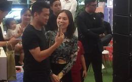 """Em chồng Tăng Thanh Hà và bạn gái hot girl thoải mái """"quẩy"""" sung bên nhau sau khi công khai"""