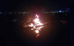 Cháy lớn khu nhà xưởng ở TP HCM, cảnh sát PCCC vẫn đang dập lửa