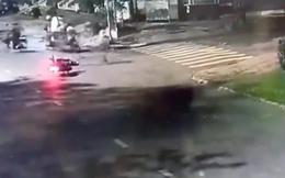 Camera ghi hình đôi nam nữ bị cướp xe ở Sài Gòn, dù dũng cảm chống trả quyết liệt băng giang hồ nhưng bất thành