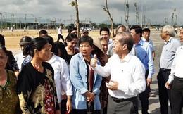 Thừa Thiên - Huế: Chủ tịch tỉnh cùng người dân đi xem nơi ở mới