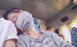 Thanh niên mạnh dạn đăng ảnh tìm người tựa vai mình ngủ gật trên xe, chị em gạt hết sĩ diện lao vào nhận vơ