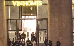 Thanh niên 9X vô cớ chém bị thương người đàn ông trong tòa nhà Landmark 81 rồi cố thủ nhiều giờ