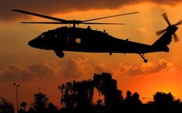 """Trực thăng """"Diều hâu đen"""" chở đặc nhiệm Mỹ tiêu diệt trùm khủng bố IS"""