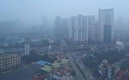 """[Ảnh] Chỉ số ô nhiễm lại tăng, Thủ đô Hà Nội """"biến"""" thành Sapa vì sương mù giăng kín"""