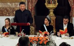 """Nhầm lẫn tai hại: Thủ tướng Tây Ban Nha bị người nông dân chê cười vì định """"mời"""" ông Tập ăn món rẻ tiền"""