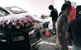 """Lộ diện chiếc Roll Royce hộ tống rich kid Giang Lê trong ngày cưới, bao nhiêu nhân sự """"chạy phờ râu"""" trước giờ G cũng không đủ"""