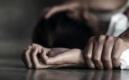 Vờ sang nhà thắp nhang cho người đã khuất, nhiều lần hiếp dâm con gái người tình