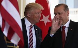 """Lên Twitter nạt nộ Thổ Nhĩ Kỳ, nhưng TT Trump nhận kết quả """"tủi hổ"""" khi điện đàm với ông Erdogan?"""