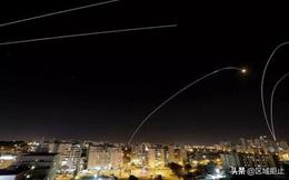 """""""Vòm sắt"""" thất thủ, Israel hứng """"mưa"""" rocket từ dải Gaza"""