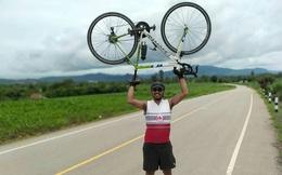 CĐV Thái Lan ròng rã đạp xe 1 tuần lễ, vượt 1.400km để đến Việt Nam tiếp lửa cho đội nhà