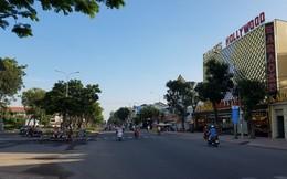 Can ngăn 2 cô gái đánh nhau, nhóm thanh niên hỗn chiến ở Sài Gòn