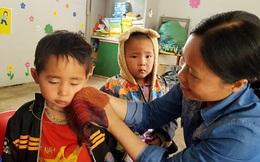 Hai cô giáo hy sinh hạnh phúc bản thân, làm mẹ của 17 đứa trẻ H'Mông