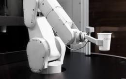 Một robot có thể phục vụ 120 cốc cafe/giờ - hàng triệu người sẽ thất nghiệp trong tương lai?