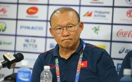 Thắng đậm Brunei, HLV Park Hang-seo vẫn cau mày lo lắng về U22 Việt Nam