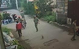 """Nhà em gái bị đập phá, người đàn ông ra hỏi thăm bị nhóm """"giang hồ"""" chém tới tấp ở Sài Gòn"""