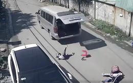 Cô giáo chủ nhiệm hé lộ thông tin bất ngờ vụ 3 học sinh tiểu học văng xuống đường khi xe đưa đón cua gấp