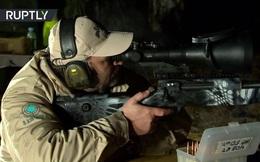 """Lính Nga bắn """"bách phát bách trúng"""" trong bóng tối ở khoảng cách 2km"""
