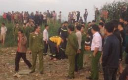 Sạt lở bãi đất ven sông Lô, 2 người câu cá bị cuốn xuống nước mất tích