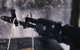 Súng AK Nga vượt qua thử thách ẩm ướt nặng mà vẫn bắn tốt như thế nào?