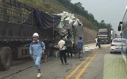 Ô tô đâm nhau trên cao tốc Nội Bài - Lào Cai, 3 người thương vong