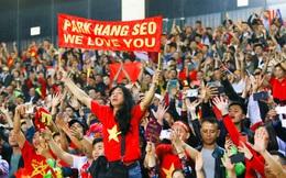 """Truyền thông Hàn Quốc """"thở phào"""", chúc mừng thầy Park nhận mức lương cao lịch sử"""