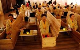 """24h qua ảnh: Mọi người tham gia """"tang lễ sống"""" ở Hàn Quốc"""