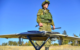 Bầy đàn UAV Nga ồ ạt tấn công cả đoàn xe quân sự: Kịch bản không thể chống đỡ!