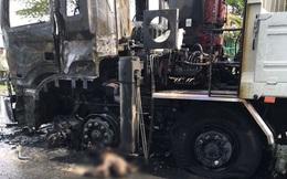 Xe tải và xe máy bốc cháy dữ dội sau va chạm, một người tử vong tại hiện trường