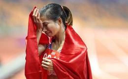 """Bão """"like"""", """"share"""" bóng đá nữ và giọt nước mắt của nữ hoàng"""