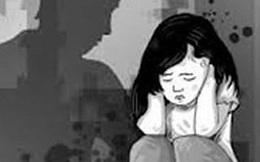 Người dân hô hoán, khống chế bắt giữ 2 thiếu niên dâm ô học sinh ở Long An