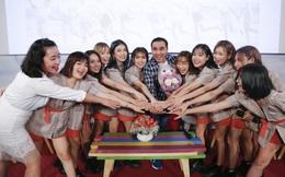 Quyền Linh nhận đỡ đầu nhóm nhạc nữ 10 thành viên