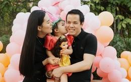 Sang Lê và chồng đại gia tổ chức sinh nhật ấm cúng cho con gái