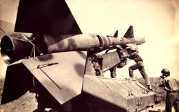 """Tướng Mỹ tiết lộ chuyện tình cờ tìm được cách """"trốn"""" hỏa lực tên lửa Việt Nam khi mổ xẻ vũ khí Nga"""