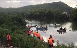 Thuyền chở 7 người ngắm cảnh trên sông bị lật, 2 cha con thiệt mạng