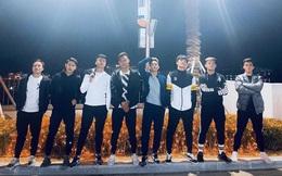 """Dàn nam thần U23 Việt Nam tiếp tục """"nhập vai"""" boyband ở Hàn Quốc: Toàn là những gương mặt visual, áp lực nhan sắc cho team qua đường thật sự!"""