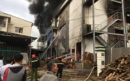 Cháy kinh hoàng tại công ty sản xuất bánh kẹo trong khu công nghiệp Sóng Thần