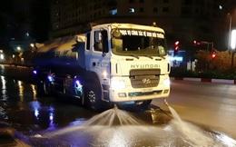 Hà Nội bắt đầu cho xe ô tô phun nước rửa đường phố sau 3 năm gián đoạn
