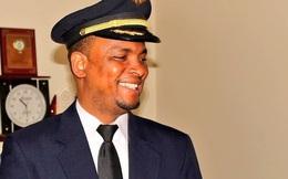 Từ nhân viên quét dọn, người đàn ông trở thành phi công sau 24 năm làm việc chăm chỉ
