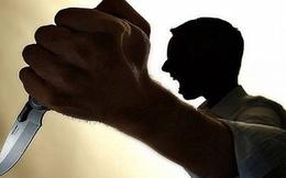 Kinh doanh thua lỗ, người đàn ông quẫn trí đâm vợ và con gái