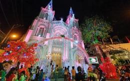 Ảnh: Nhà thờ ở TP.HCM trang hoàng lộng lẫy đón Giáng sinh