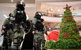 """Được hỏi """"Bắc Kinh có lo lắng khi Mỹ có thể chấm dứt địa vị đặc thù của Hồng Kông"""", BQP TQ nói gì?"""