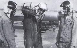 """Phạm Tuân - Phi công đầu tiên bắn tan """"siêu pháo đài bay"""" B-52"""