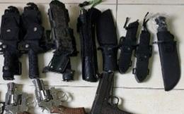 Bắt giữ nhiều đối tượng mua bán, tàng trữ ma túy, súng, hung khí và công cụ hỗ trợ ở Sài Gòn