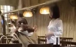 """Khách nữ mắng chửi nhân viên vì mang nhầm đĩa rau có hành và câu """"cà khịa"""" cực mạnh từ bàn bên"""