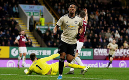 """Chủ nhà Burnley """"tặng quà"""", Man United vào Top 5"""