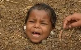 Kỳ quặc ngôi làng chôn sống trẻ em lúc nhật thực để chữa tật nguyền